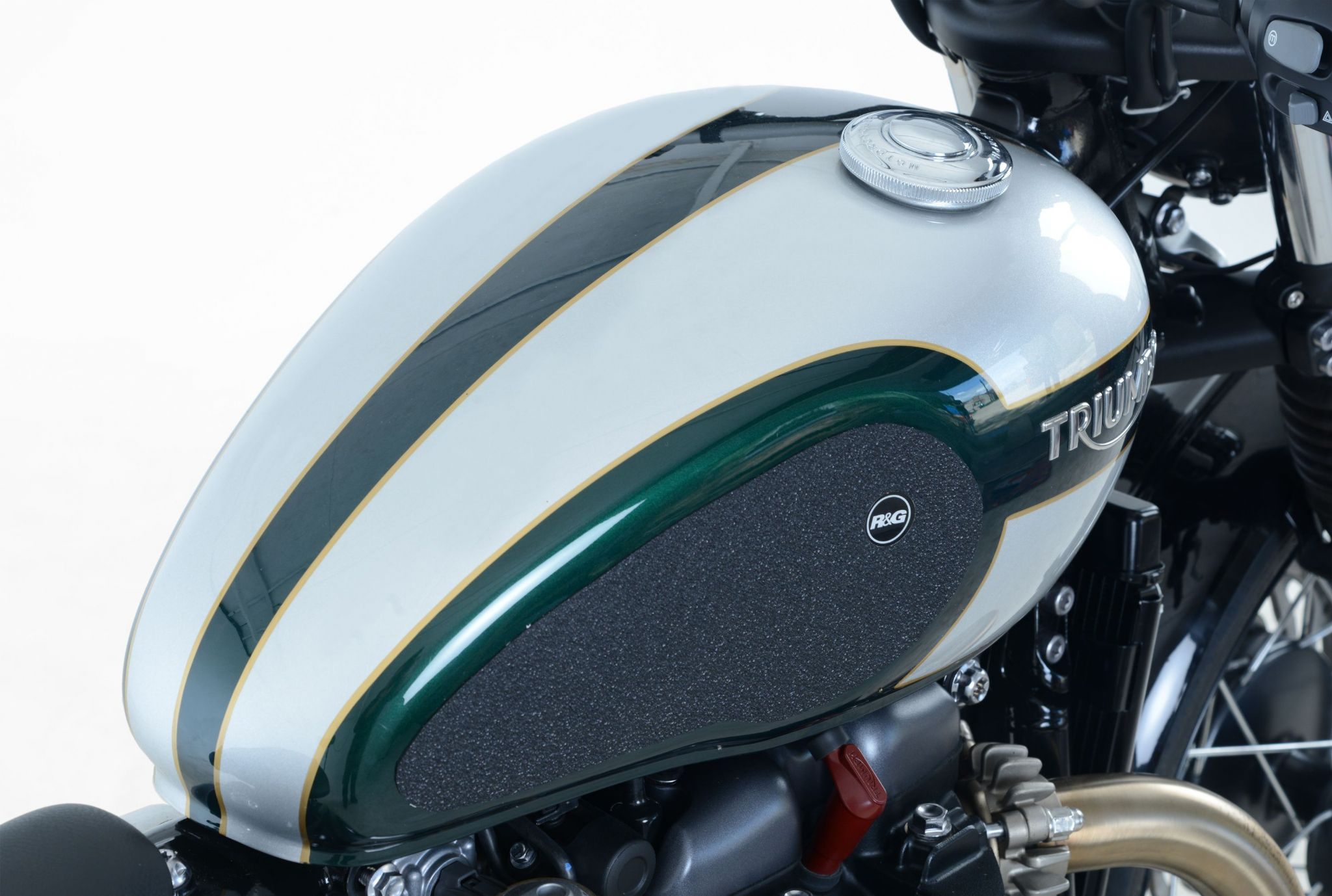 Bobber 1200 Petrol Gas Tank R Amp G Traction Knee Pads